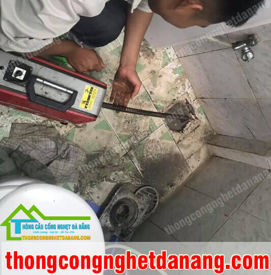 thong-tac-cong-nha-ve-sinh1